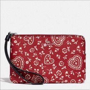 Corner Zip Wristlet With Lace Heart Print